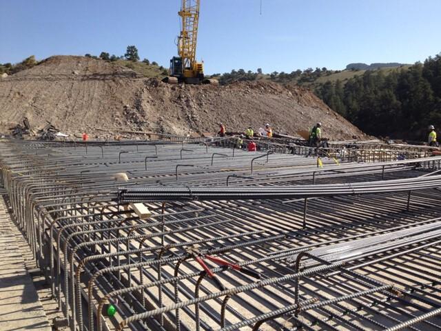 Çelik Donatı şantiyelerde en çok kullanılan malzemeler arasında yer alır.