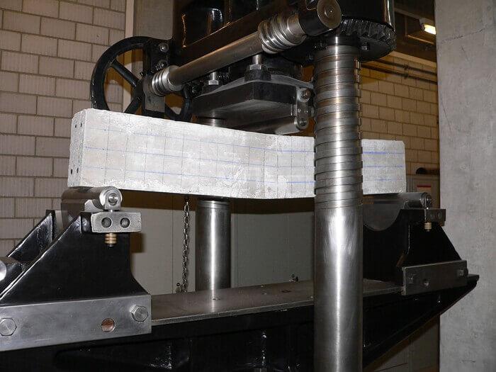 Kiriş deneyi test makinesi
