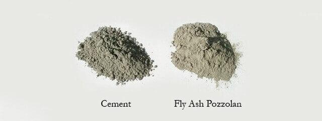 Puzolanlı çimento renk olarak portland çimentosuna göre farklılık gösterir. Fotoğrafta Uçucu Kül katkılı ve Katkısız Çimento görülüyor.