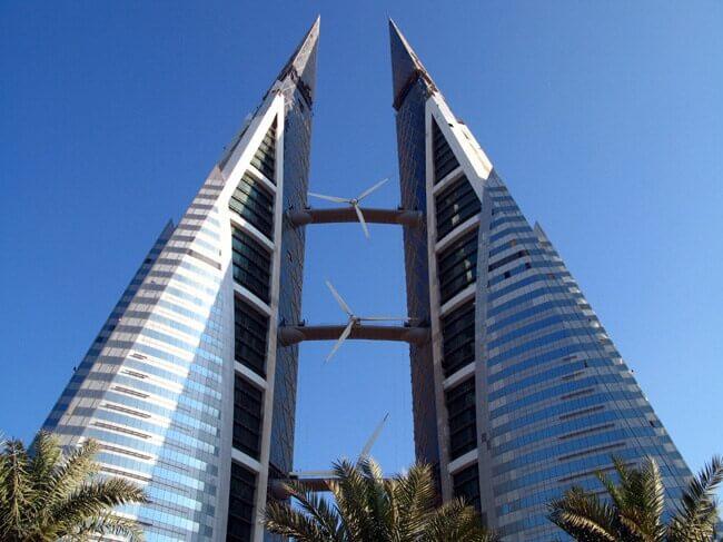 Üzerinde rüzgar türbini olan ilk gökdelenler Bahreyn'de.